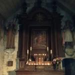 Le maître autel illuminé